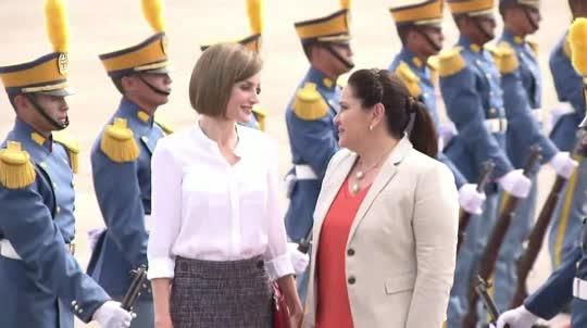 Reina de España visita Honduras 0509
