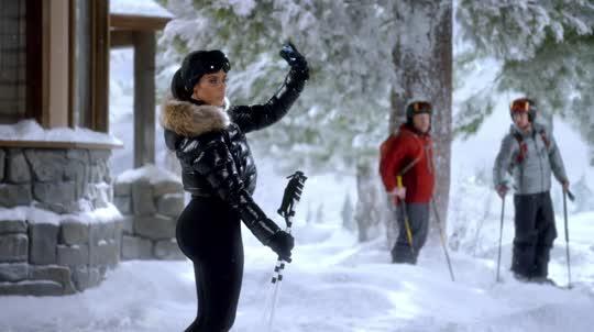 Kim Kardashian en comercial para el Superbowl