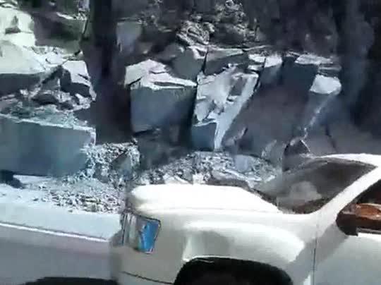 Una caravana de narcosicarios armados pasa abiértamente por las calles mexicanas