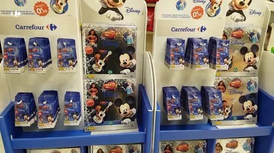 <p>Les héros Disney vous attendent en caisses.</p>