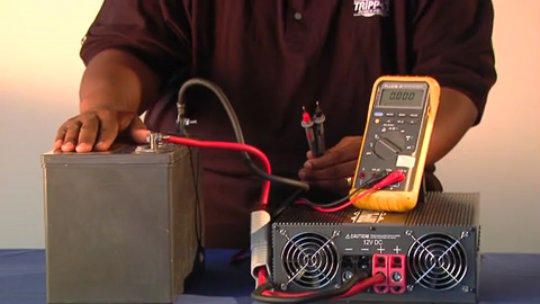 How to Take an Inverter DC Voltage Reading