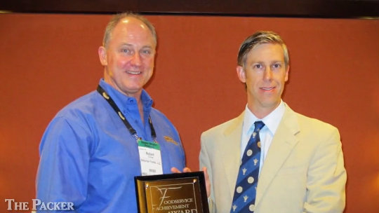 Naturipe V.P. earns Foodservice Achievement Award